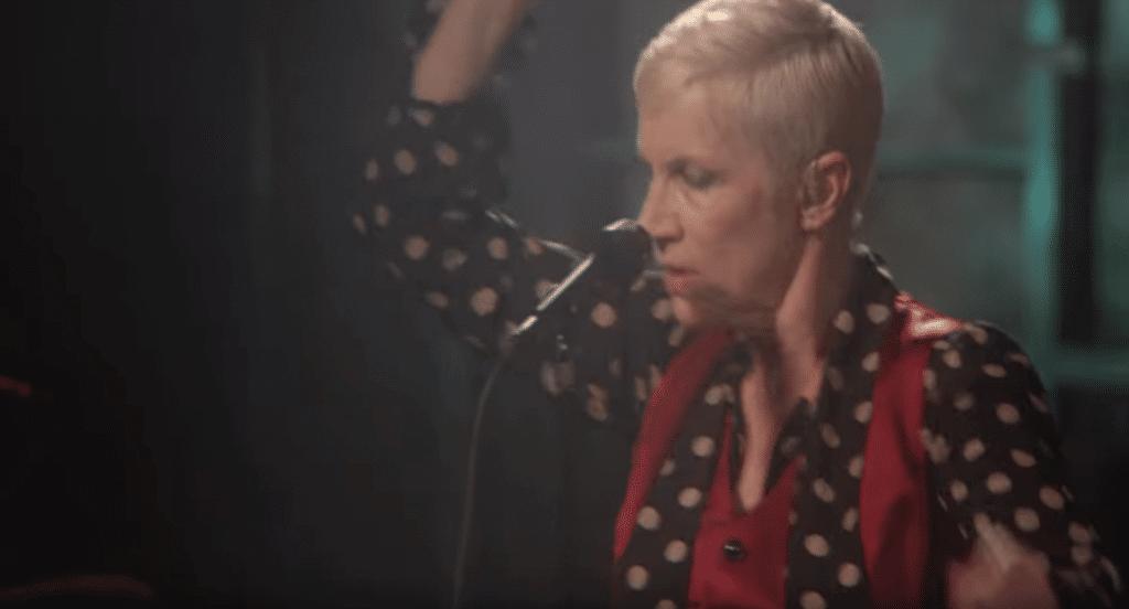 Clip de Annie Lennox - I Put A Spell On You